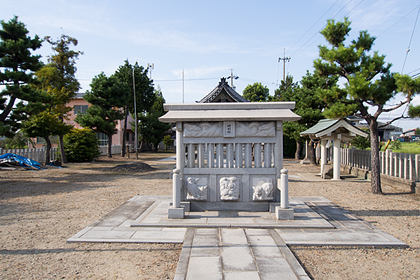 西福田5神明社蕃塀