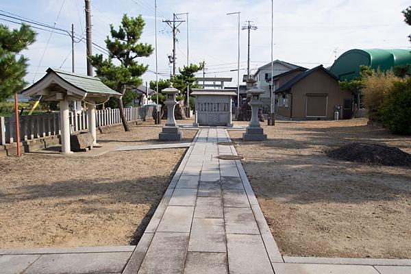 西福田5神明社境内の風景