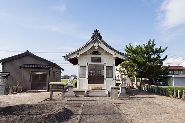 西福田1熱田社拝殿前