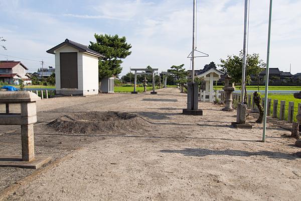 西福田1熱田社境内の風景