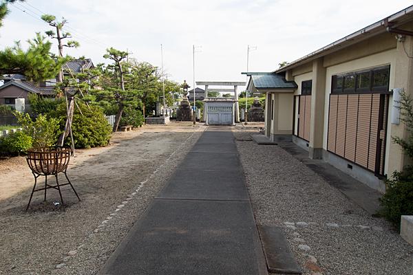 福屋熱田社境内の風景