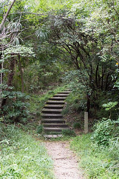 高針御嶽神社階段