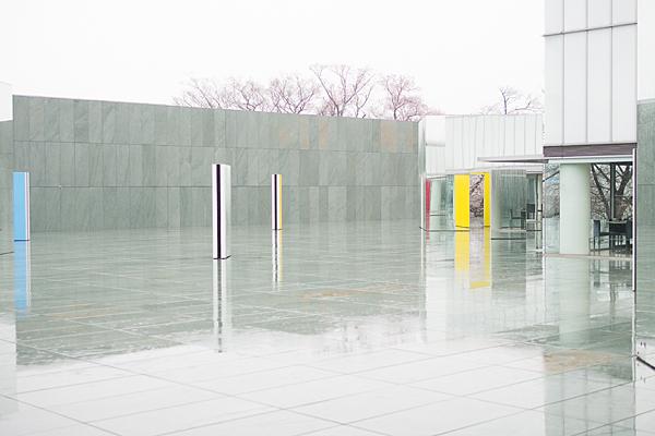 豊田市美術館雨