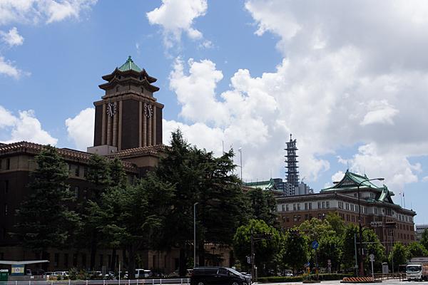愛知県庁前夏