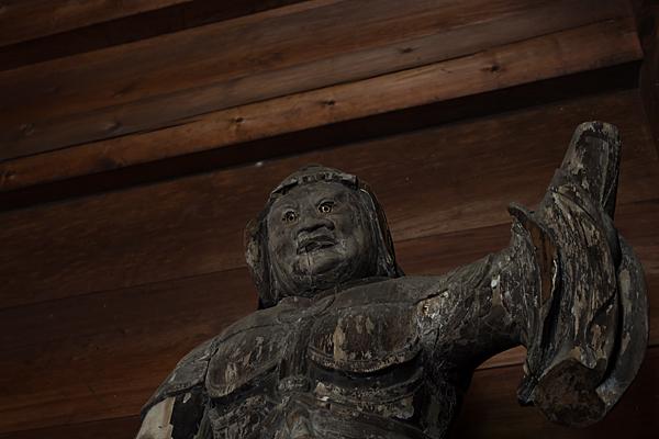 妙興寺平安末仏像アップ