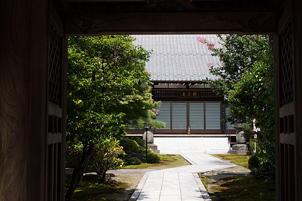 妙興寺耕雲院の中