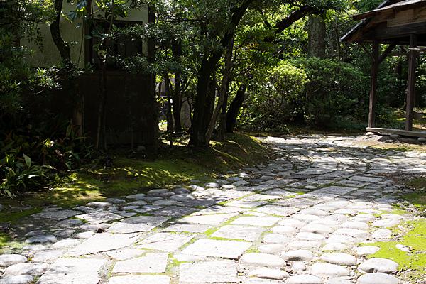 妙興寺石畳の道