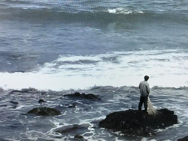 潘逸舟 波を掃除する人