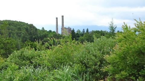 旧松尾鉱山の施設跡、木々がうっそうと茂っていて見づらかった。もう少しゆっくり見ても良かったな。
