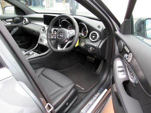 C220d運転席