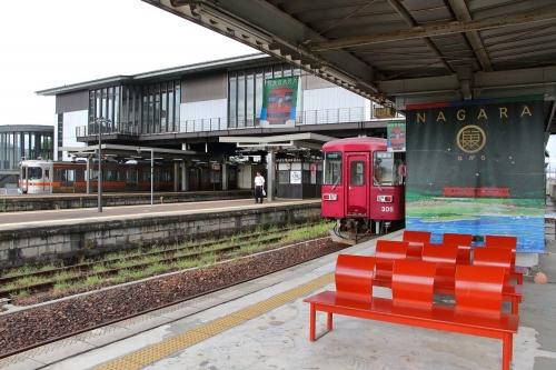 長良川鉄道美濃太田駅ホーム