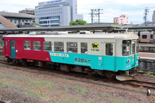 長良川鉄道ナガラ3形気動車ヤマト運輸仕様