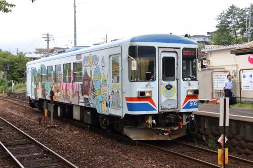 長良川鉄道ナガラ500形気動車 関駅