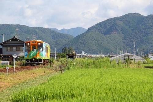 ハイモ330-700形気動車 糸貫駅
