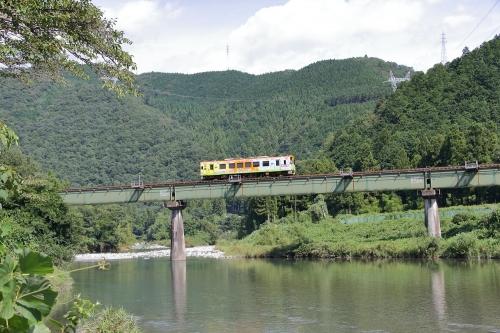 ハイモ330-700形気動車 第三根尾川橋梁