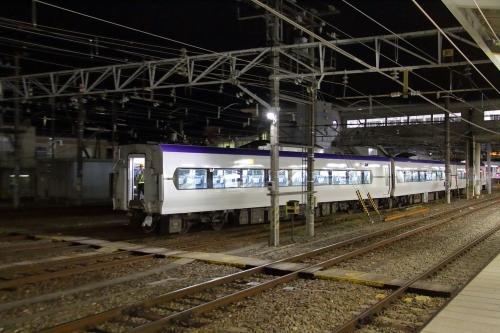 松本車両センター E353系電車入換