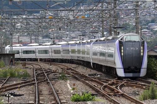 E353系電車「あずさ」