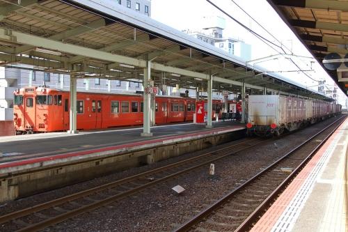 山陰迂回貨物9081レ+普通列車 松江駅