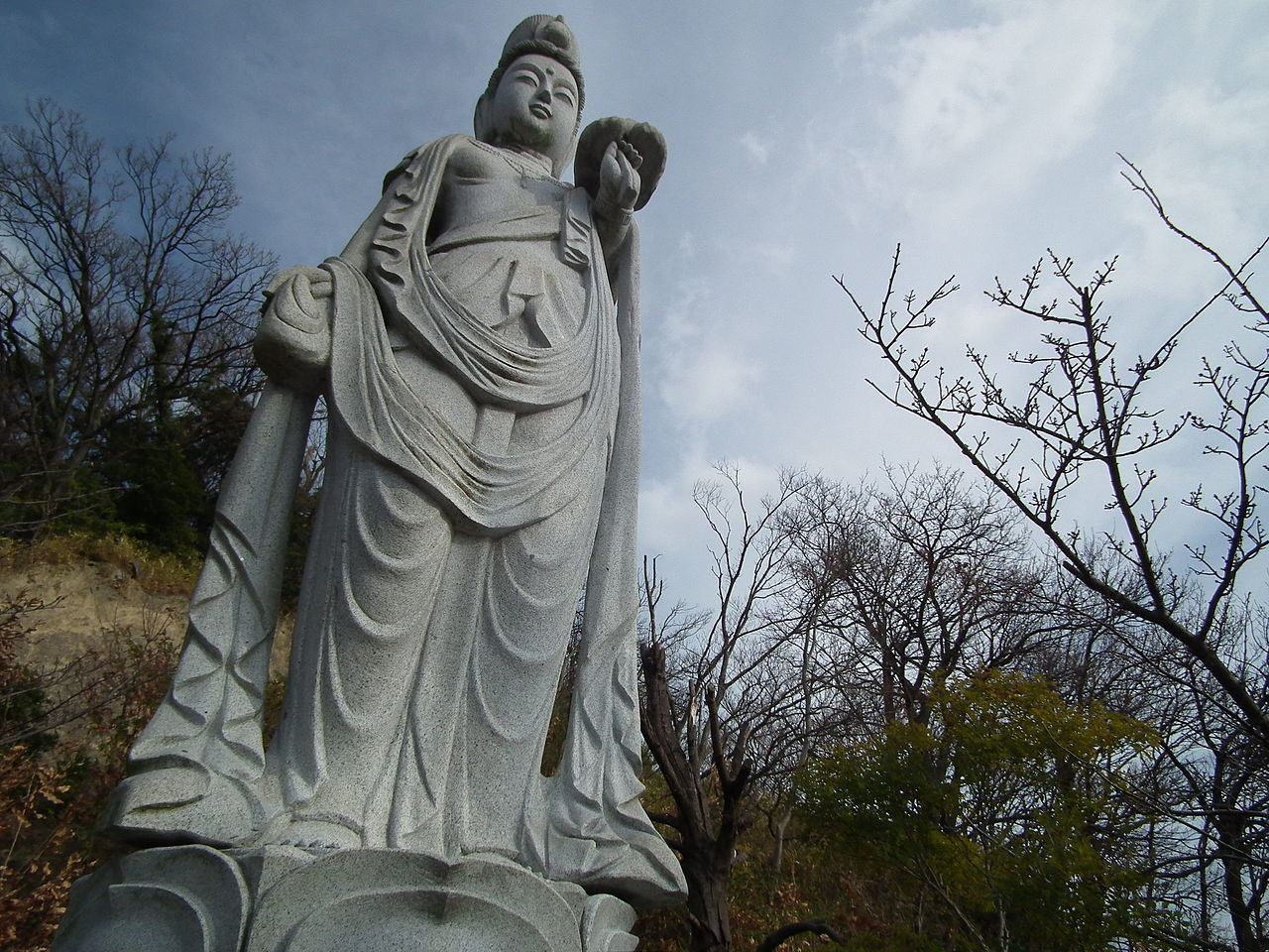 1280px-Maruyama-kanon_丸山観音_DSCF2080