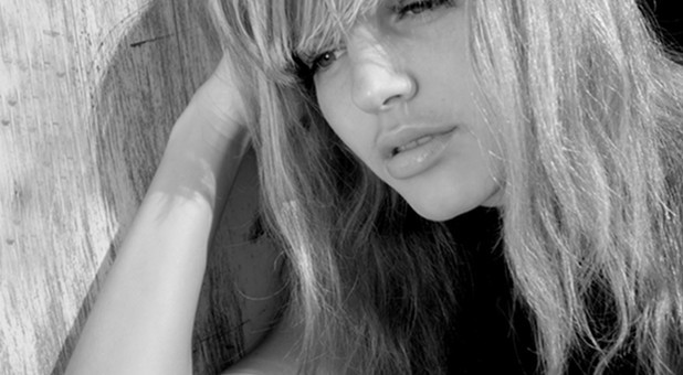 slw-sadgirl122812.jpg
