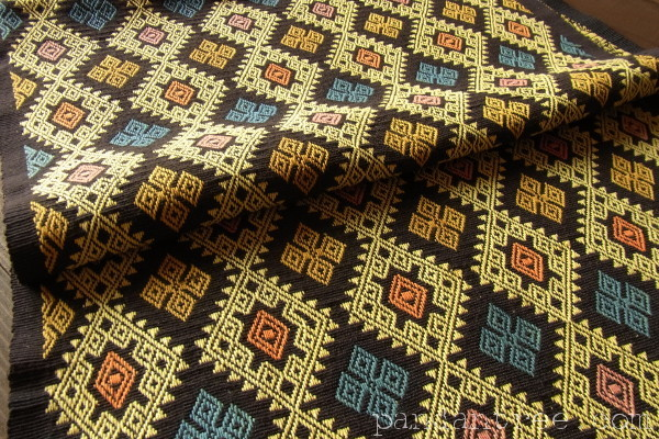 スンバ島浮織り布パヒクン1
