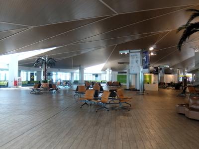 KLブルネイ131ブルネイ空港