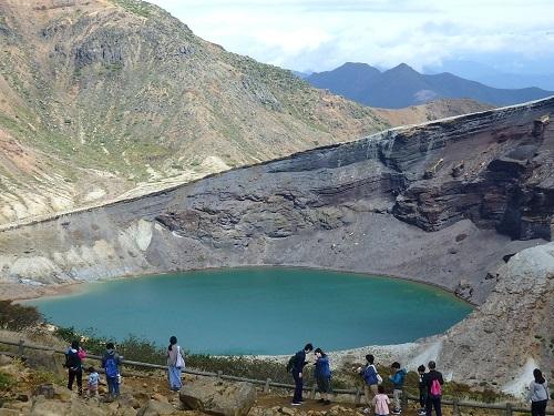 火山湖お釜