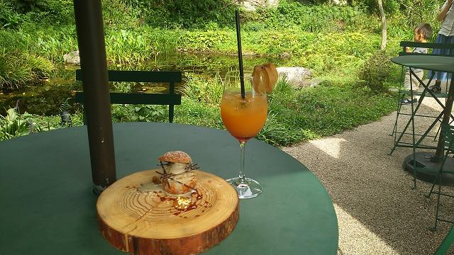 ホウヅキのジュースとモンブラン