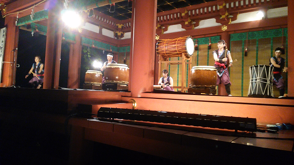 舞殿の神童太鼓