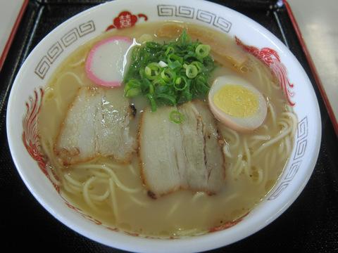 平田食事センター(ラーメン)