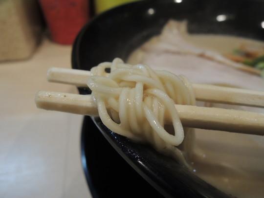 こってりラーメンの麺