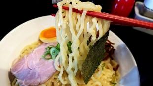 豚丸 つけ麺赤 麺