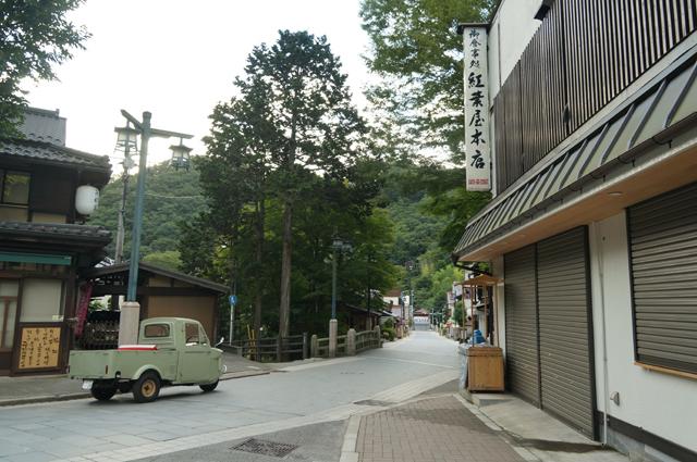 高尾山の参道にてミゼット