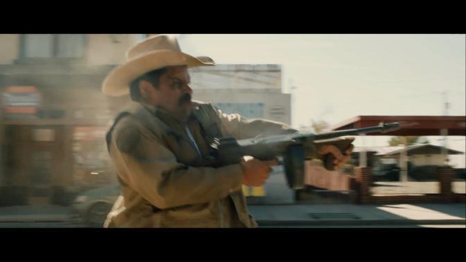 tls-Luis Guzmán as Mike Figuerola tompson