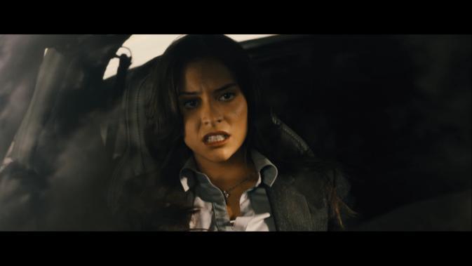 tls-Génesis Rodríguez as Agent Ellen Richards
