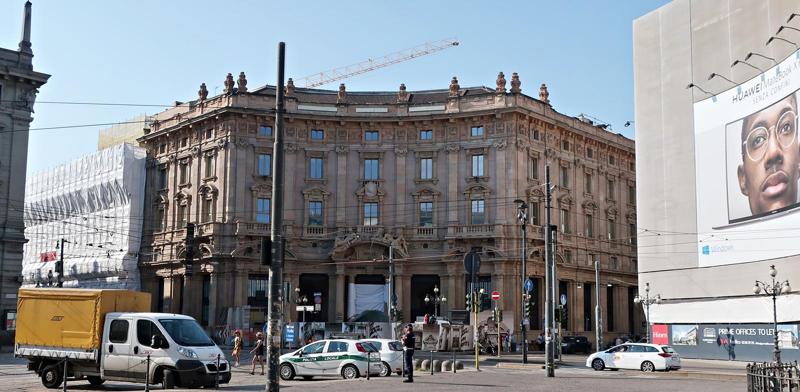 IMG_1018(Milano_Starbucks).jpg