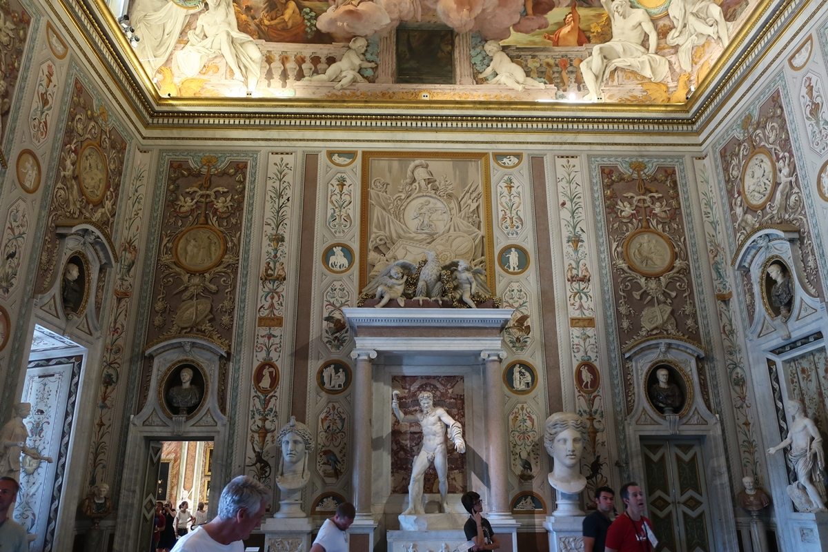 IMG_3001(Borghese_Exhibition_room).jpg