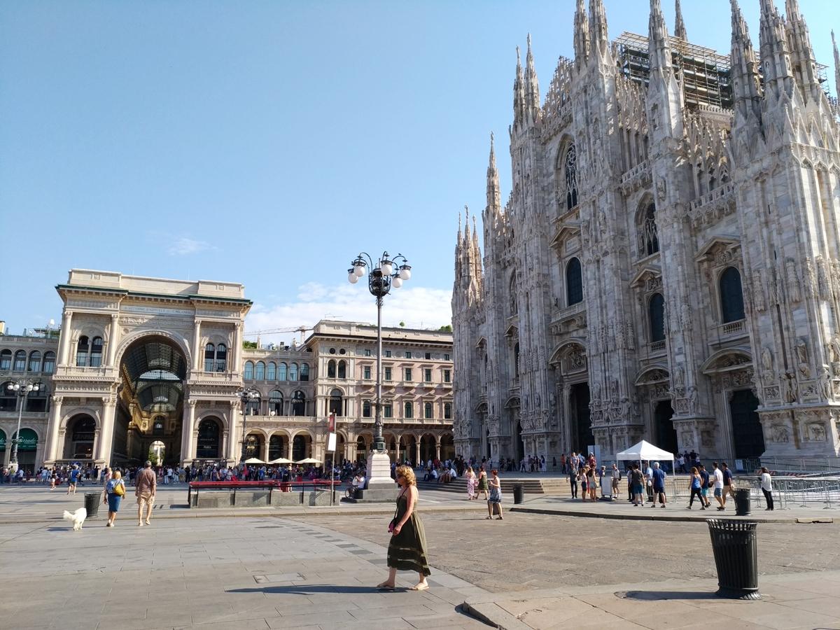 P_20180819_095426(Piazza_Milano_Duomo).jpg