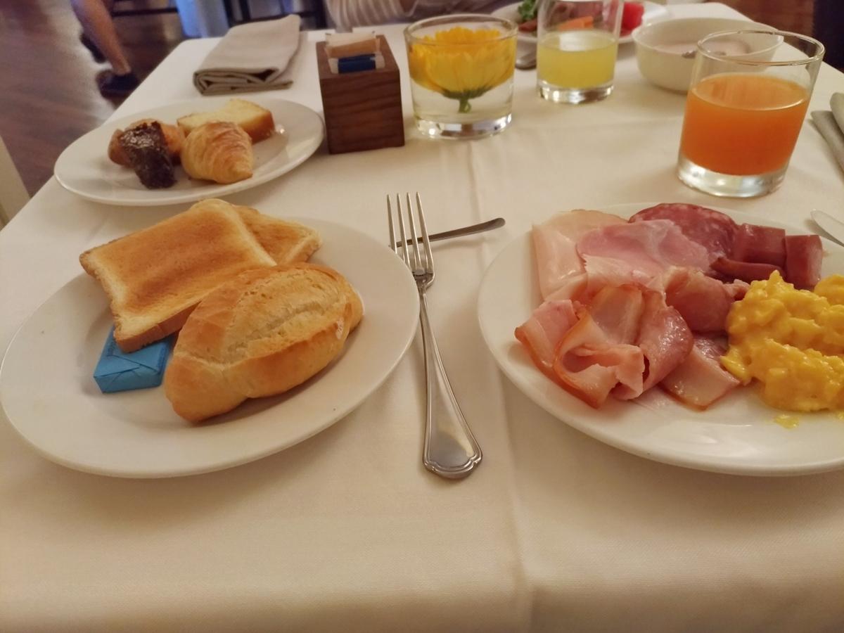 P_20180823_065242(Napoli_Breakfast).jpg