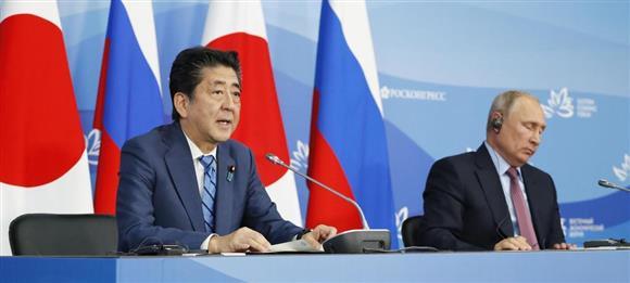 安倍首相とプーチン大統領、信頼醸成と対中国警戒感を共有
