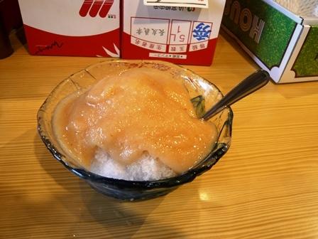 フルーツ:かき氷;桃1