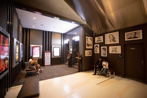 バリ島 映画館-2