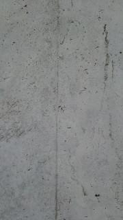 コンクリートの色むらや黒ずみ補修跡