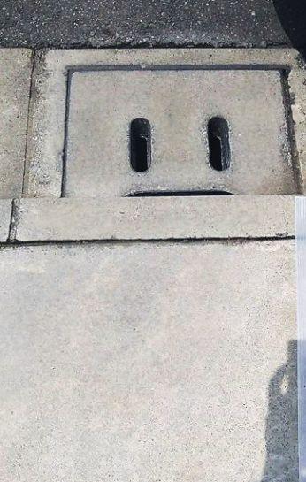 コンクリートのペンキ落とし美装