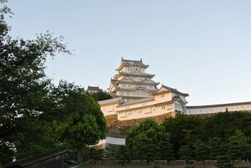 夕日に染まる姫路城