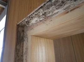 ドア枠の被害