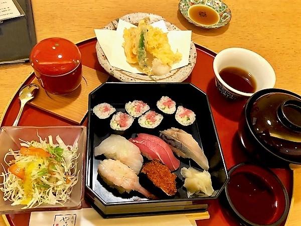 yachiyosushi1.jpg