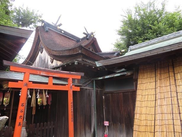 加太春日神社本殿の屋根