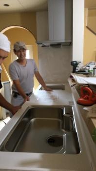 キッチン設置 (2)