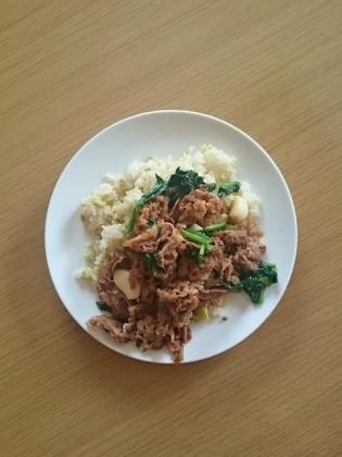 豆ご飯と牛焼き肉